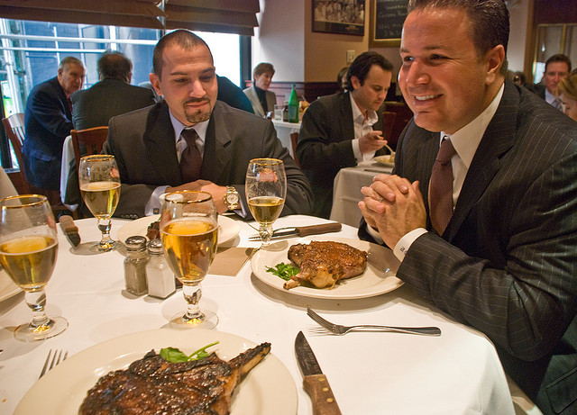Business Lunch Etiquette Tips in Spain